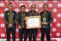 Kabupaten Tabalong menerima Penghargaan Kabupaten Peduli HAM dan Pelayanan  Publik Berbasis HAM dari Kementerian Hukum dan Hak Asasi Manusia Republik Indonesia